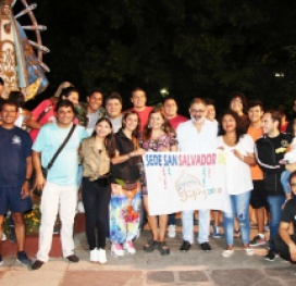 """La Delegación jujeña rumbo al Pre Cosquín: El intendente le deseó """"la mejor de las suertes"""""""