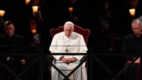 Fuerte mensaje: El papa Francisco abogó por los inmigrantes en el Via Crucis