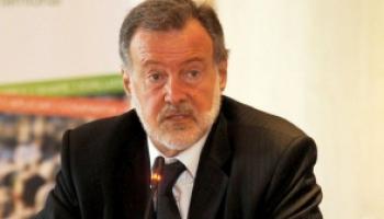 Rafael Bielsa dará una charla libre y abierta en la Facultad de Humanidades