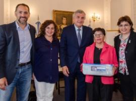 El gobernador firmó convenios de desarrollo tecnológico para varias regiones
